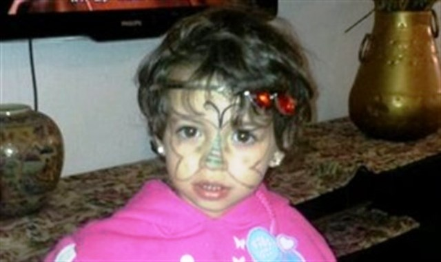 Madre de víctima de terror de 4 años de edad da a luz a una niña en el cumpleaños de su hija fallecida