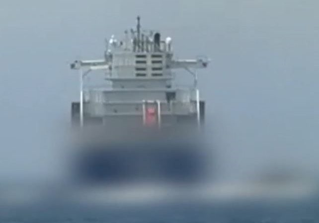 Comandos navales israelíes toman el control de un buque