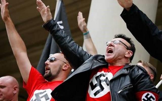 YouTube prohibirá los videos que promueven la negación del holocausto y el racismo