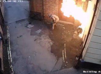Activista se prende fuego mientras intenta incendiar una sinagoga