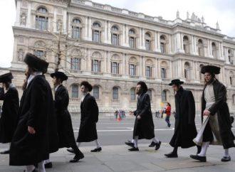 """<strong>""""La gente está asustada, asustada de que les pueda ocurrir un pogrom"""". .</strong> Los """"predicadores"""" antisemitas apuntan a Haredim en el este de Londres en Shabat"""