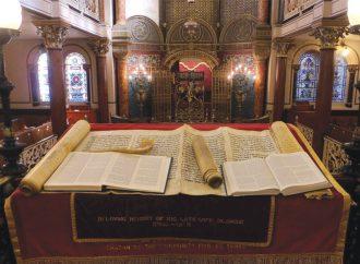 Evalúan despido de rabino ortodoxo