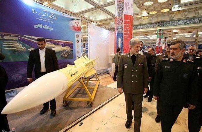 Estados Unidos identifica sitios donde Irán lanza drones y misiles en plantas petroleras sauditas