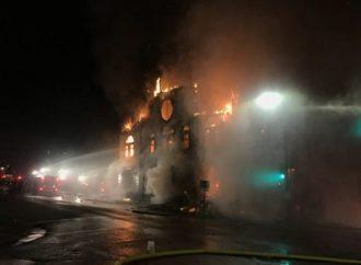 Fuego destruye la sinagoga de Adas Israel en Minnesota