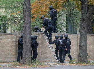 Dos personas asesinadas fuera de la sinagoga en Halle, Alemania, con transmisión en vivo