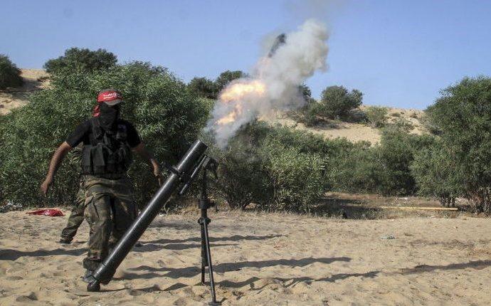 Terroristas de Gaza disparan proyectil de mortero contra el sur de Israel