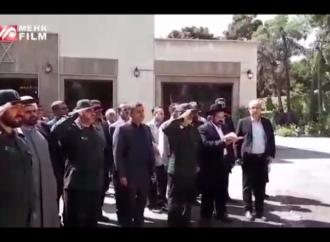 Guardias revolucionarios de Irán saludan a soldados judíos en la ceremonia