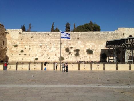 El antisemitismo incluye la negación de la historia judía