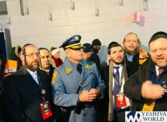 """Policía de tránsito perdona la boleta al conductor judío: """"¿Ya ha hecho su página hoy?"""""""