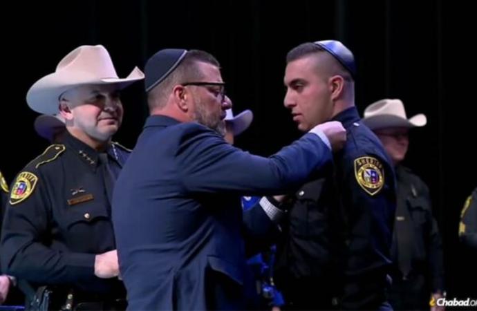 Texas: Hay un nuevo sheriff en la ciudad y lleva una kipá