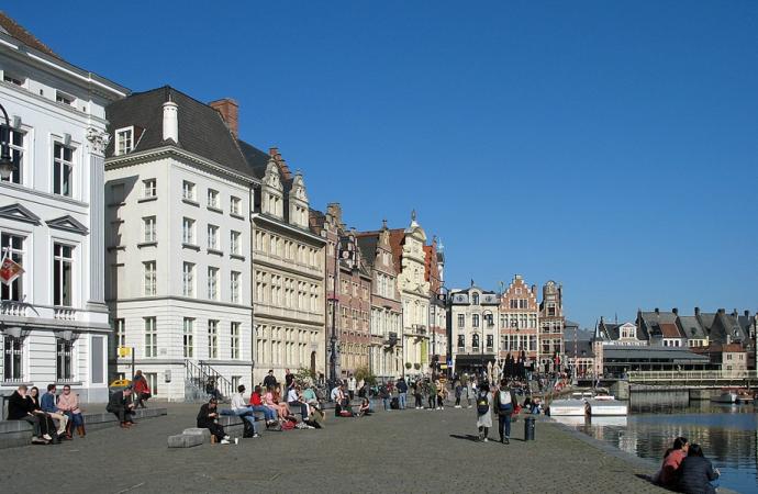 Ataque terrorista en Gante de Bélgica sigue a Londres por una hora