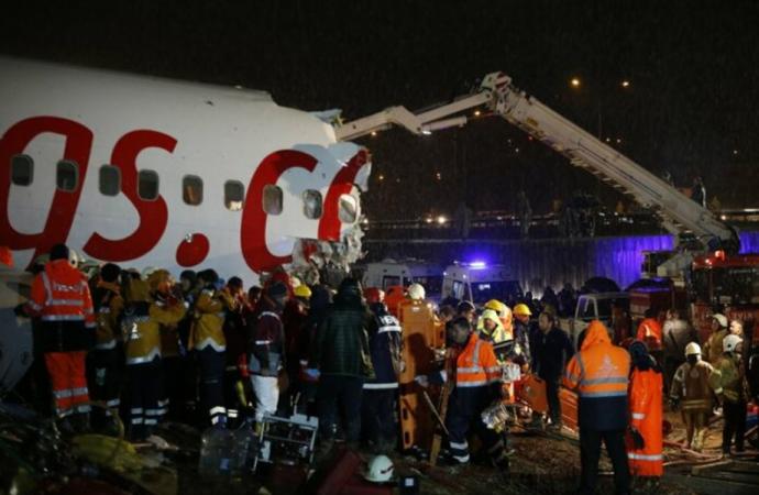 2 israelíes entre 179 heridos después de que Boeing 737 se rompió en pedazos