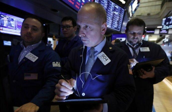 Las acciones se recuperan de grandes pérdidas por la esperanza de ayuda económica de los Estados Unidos