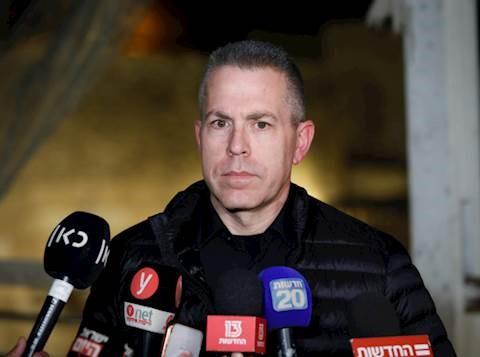 El ministro de Seguridad Pública, Gilad Erdan, le dice a la policía que se prepare para el bloqueo total