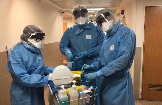 """""""Me estoy preparando mentalmente para varios meses"""": Un médico israelí en primera línea de coronavirus"""