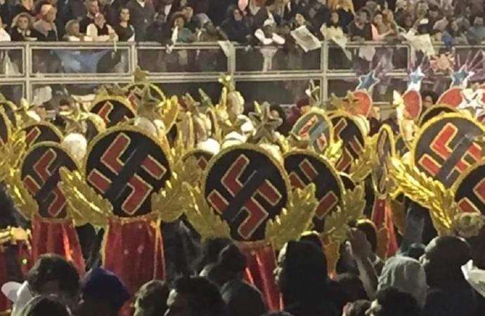 El desfile de carnaval brasileño contó con trajes con esvásticas
