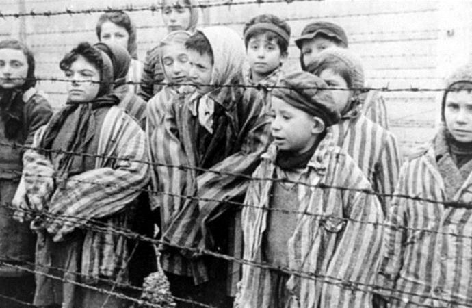 Juez dictamina deportación a Alemania de ex guardia nazi que vive en Tennessee