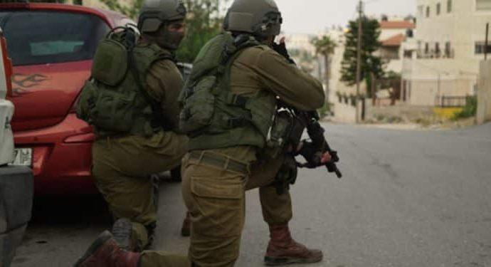Fuerzas de seguridad israelíes arrestan a árabes sospechosos de terrorismo