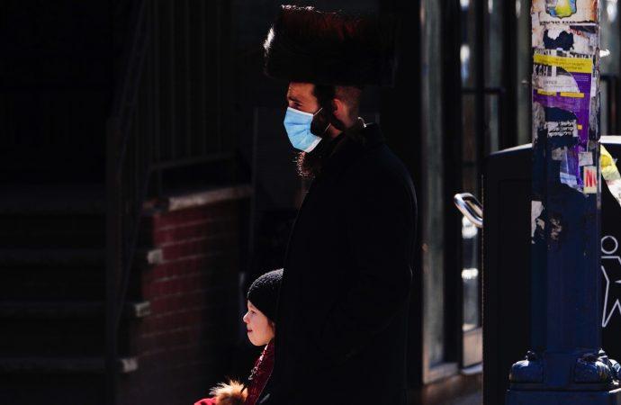 Vecindarios jasídicos de Brooklyn: Aumento en las muertes en el hogar durante la crisis del coronavirus
