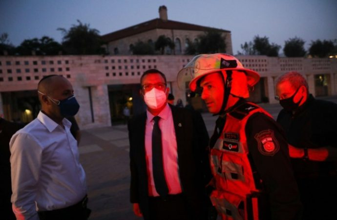 Arabe arrestado por prender fuego al ayuntamiento de Jerusalem