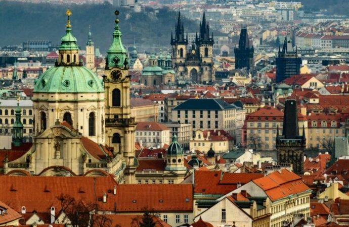 Sin turistas en el barrio judío de Praga, el bienestar de los sobrevivientes del Holocausto está en riesgo