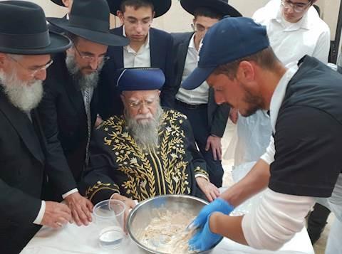 El ex rabino jefe de Israel hospitalizado con el coronavirus