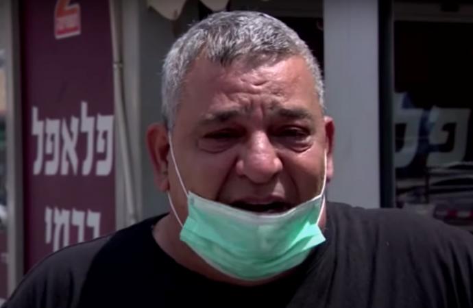 El dueño de una tienda de faláfel israelí que lloró durante una entrevista sufre un ataque al corazón