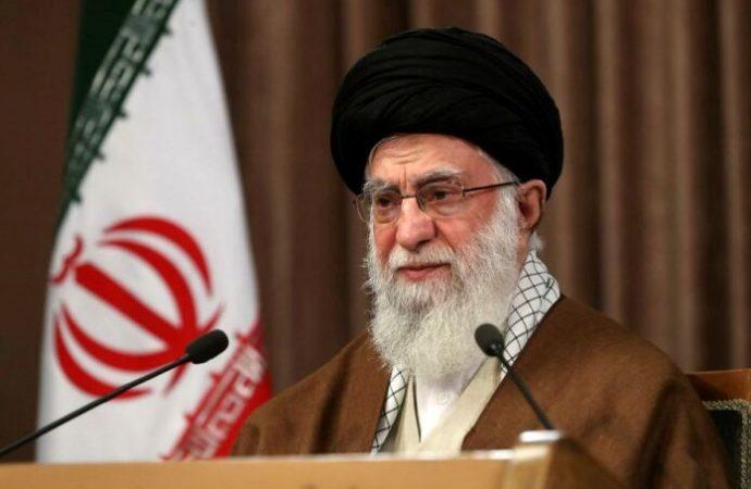 """Líder de Irán dice que Israel """"tumor canceroso"""" será destruido"""