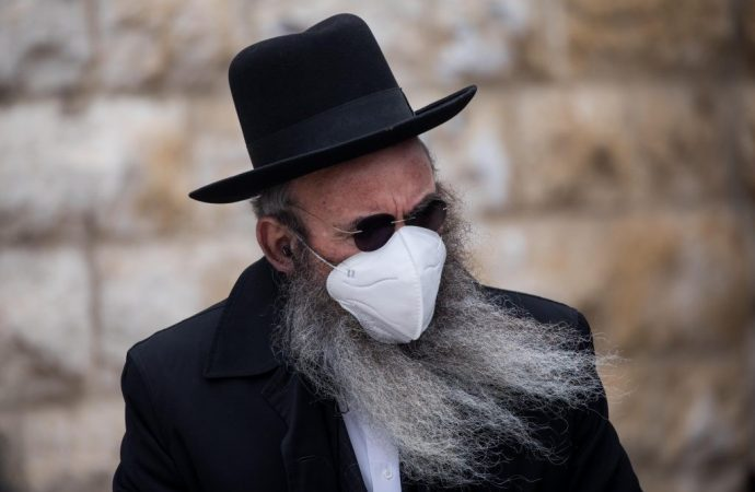 El uso generalizado de máscaras podría prevenir las segundas ondas COVID-19
