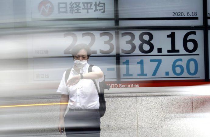 Las acciones asiáticas se deslizan a medida que se observa una desaceleración global