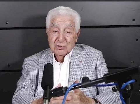 """El alcalde francés judío, de 94 años, busca la reelección: """"No tengo que disculparme por no estar muerto"""""""