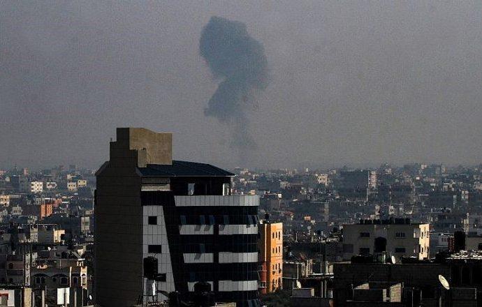 La IAF ataca Gaza después del ataque con cohetes del viernes por la noche
