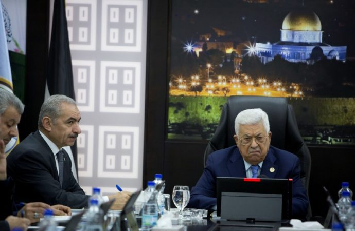 Los palestinos ofrecen negociaciones días antes de la declaración de soberanía