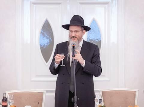 Rabino Jefe de Rusia, Rav Berel Lazar, enfermo e internado con COVID-19