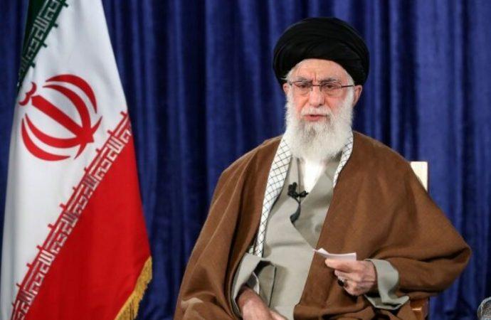 Twitter dice que los tuits de Khamenei que piden el genocidio de los judíos está bien