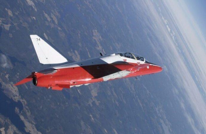 El comando de la Fuerza Aérea finlandesa desecha el logotipo de la esvástica como insignia