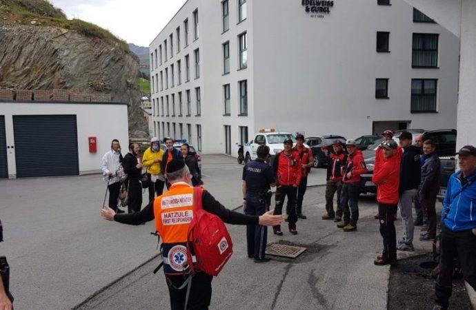 Cinco Bajurim perdidos en los Alpes austríacos encontrados después de una importante búsqueda nocturna