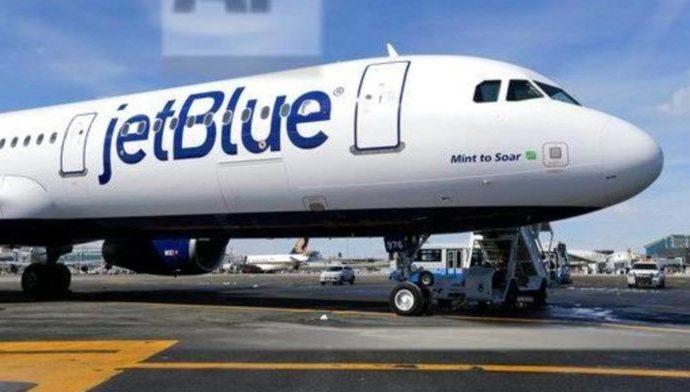 Familia judía expulsada del vuelo de JetBlue por niño de 2 años que no usa máscara