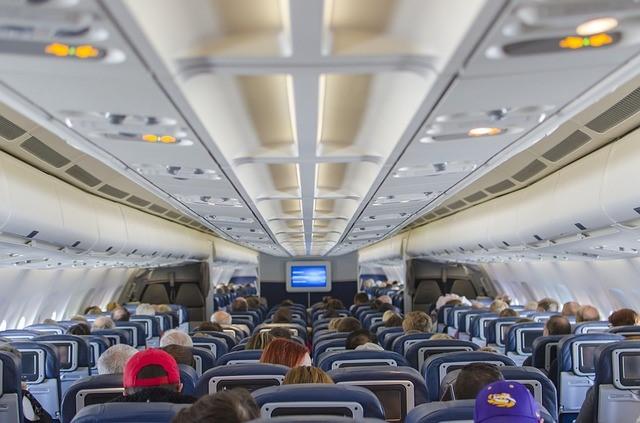 ¿Los aviones son peligrosos para la transmisión COVID-19? Estudio sobre vuelo de Israel a Alemania dice que no