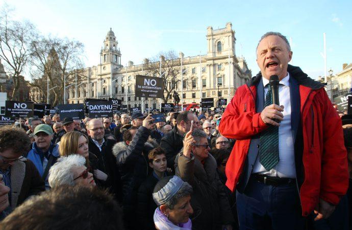 John Mann, el crítico más acérrimo del antisemitismo en el Reino Unido