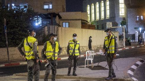 Los casos diarios de Israel se disparan a casi 4.000 y se espera el cierre en Yom Tov