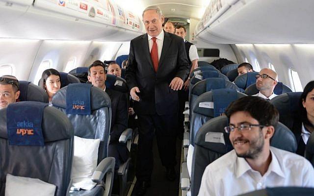 El primer ministro israelí retrocede después del alboroto por un avión privado