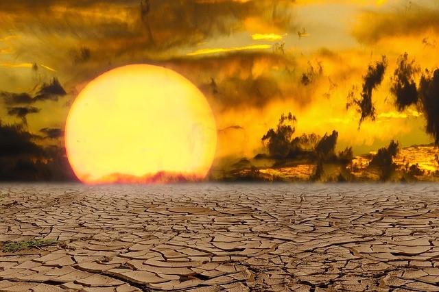 Israelíes se sofocan en el clima más caluroso en 100 años