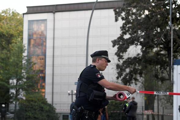 Policía arresta a sospechoso tras asalto cerca de la sinagoga en Hamburgo