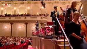 Insólito: La Orquesta Nacional de Holanda desaloja el escenario frente el director musulmán
