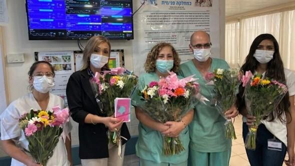 """Más de 40.000 envían flores para Shabat a los """"héroes COVID-19"""" como parte del proyecto Shabat"""