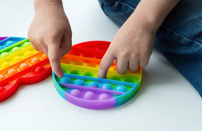 Un compañero de clase israelí de Ana Frank creó un juguete tremendamente popular
