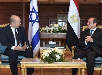 El primer ministro israelí Bennett y el presidente egipcio Sisi se reúnen en el Sinaí y debaten sobre Irán y Hamas