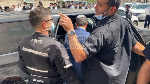 La policía salva al alcalde de Jerusalem Moshé Lion de la mafia extremista
