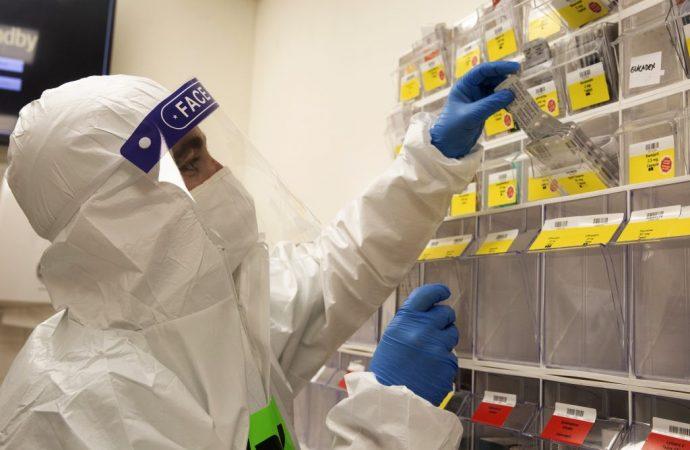 Más de 10,000 casos nuevos de COVID durante el fin de semana